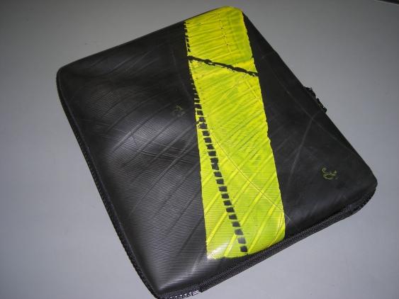 seal-pc-bag2